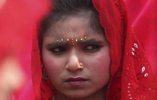 Un hombre le corta la mano a una niña en India por no querer salir con él