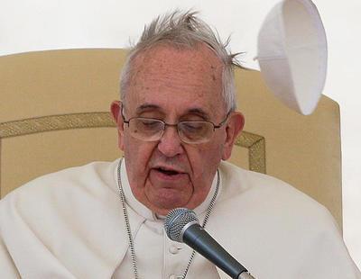 """El Papa Francisco dice que la creciente aceptación de las personas trans es """"terrible"""""""