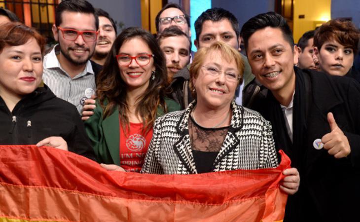La presidenta Bachelet cuenta con el apoyo de los colectivos