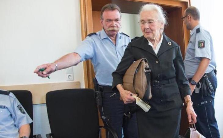 Haverbeck, durante el juicio
