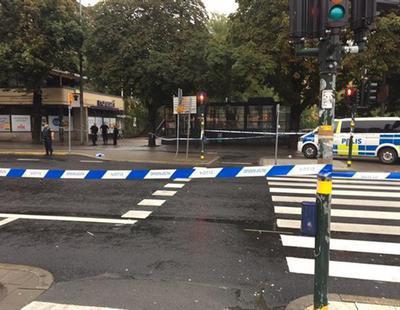Un hombre armado con un cuchillo ataca a la Policía en Estocolmo