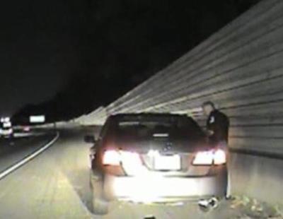 """Un policía de Estados Unidos a una detenida: """"Tranquila, solo matamos a gente negra"""""""