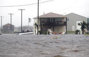 El Huracán Harvey es la primera consecuencia directa del cambio climático: sufriremos más