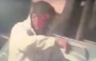 """Asesina al técnico de la grúa a cuchilladas porque """"tardó demasiado en llegar"""""""