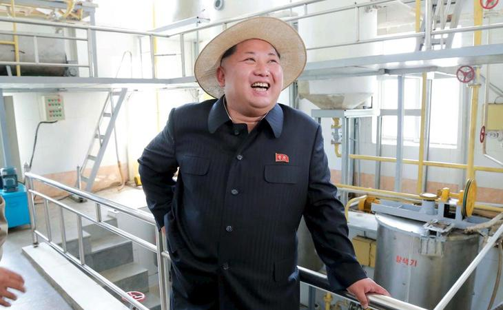 Kim Jong-un, en una visita oficial a una fábrica estatal