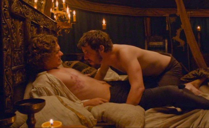 Loras Tyrell y Renly Baratheon nos regaló una de las pocas escenas de sexo gay de 'Juego de tronos'