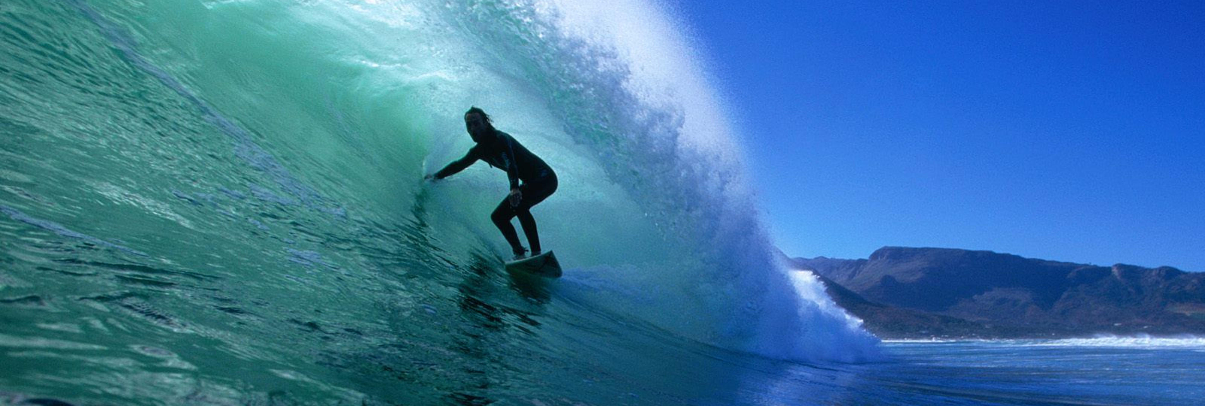 Muere el surfista de 16 años, Zander Venezia, intentando surfear el huracán Irma