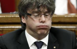 El TC suspende el referéndum en Cataluña y avisa de consecuencias penales al Govern