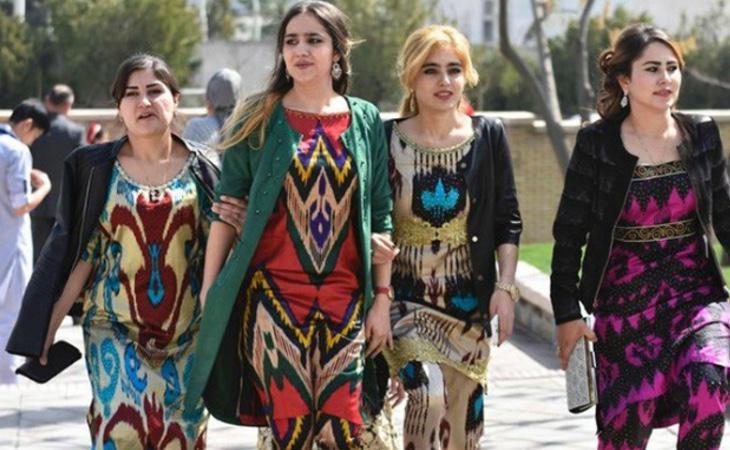 Vestimenta tradicional de las mujeres tayikas