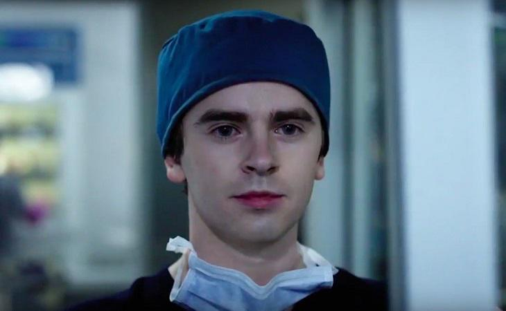 Freddie Highmore en la piel del cirujano Shaun Murphy en 'The Good Doctor'
