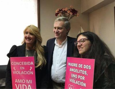 """""""Concebida en violación"""": La polémica campaña contra la Ley del Aborto en Chile"""