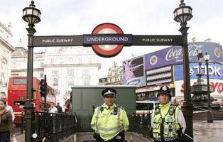 Al menos 22 personas heridas en un atentado con explosivos en el metro de Londres