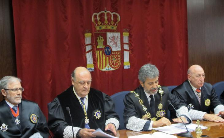 Jueces en un Tribunal
