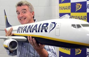 Ryanair tiene previsto cancelar 50 vuelos diarios ya contratados durante seis semanas