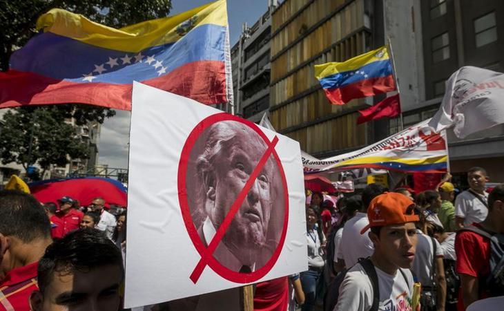 Manifestación antiimperialista contra las críticas de Donald Trump