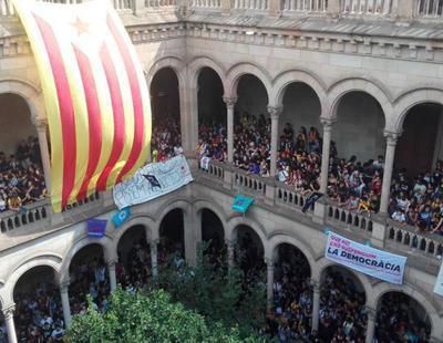 Okupan la Universidad de Barcelona para protestar a favor del referéndum del 1-O