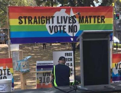"""Convocan un evento por los """"derechos de los heterosexuales"""" y solo acuden veinte personas"""