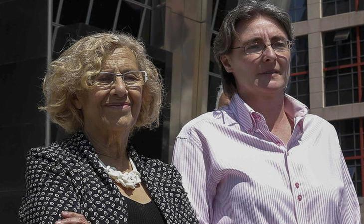 Marta Higueras junto a Manuela Carmena