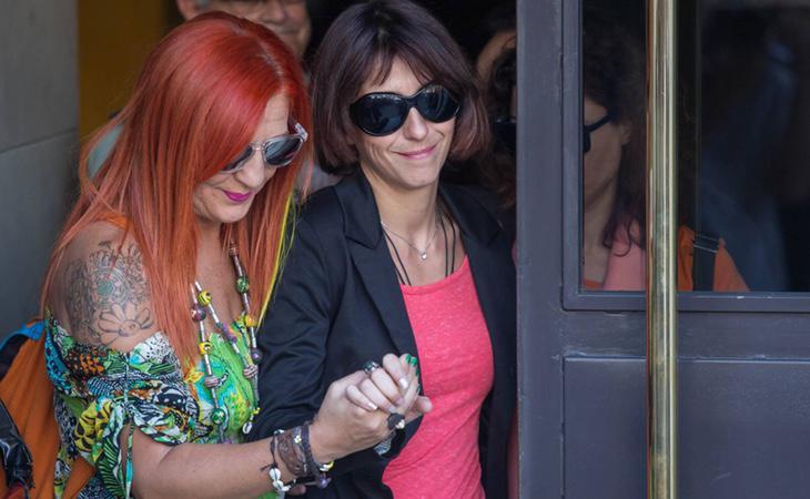 Juana Rivas saliendo de los juzgados