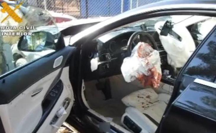 La víctima trató de huir tras ser acuchillado pero su vehículo colisionó con el de uno de los detenidos