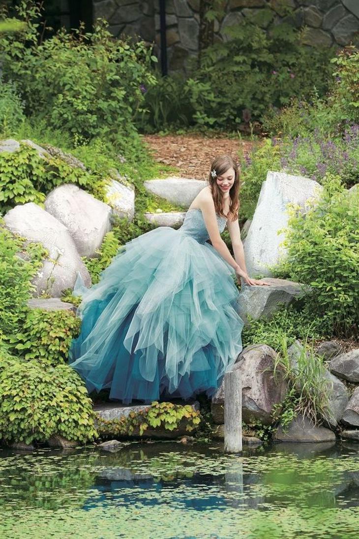 Ariel prefiere los vestidos de novia a las aletas