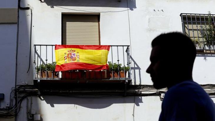 Una bandera de España provoca una brutal agresión