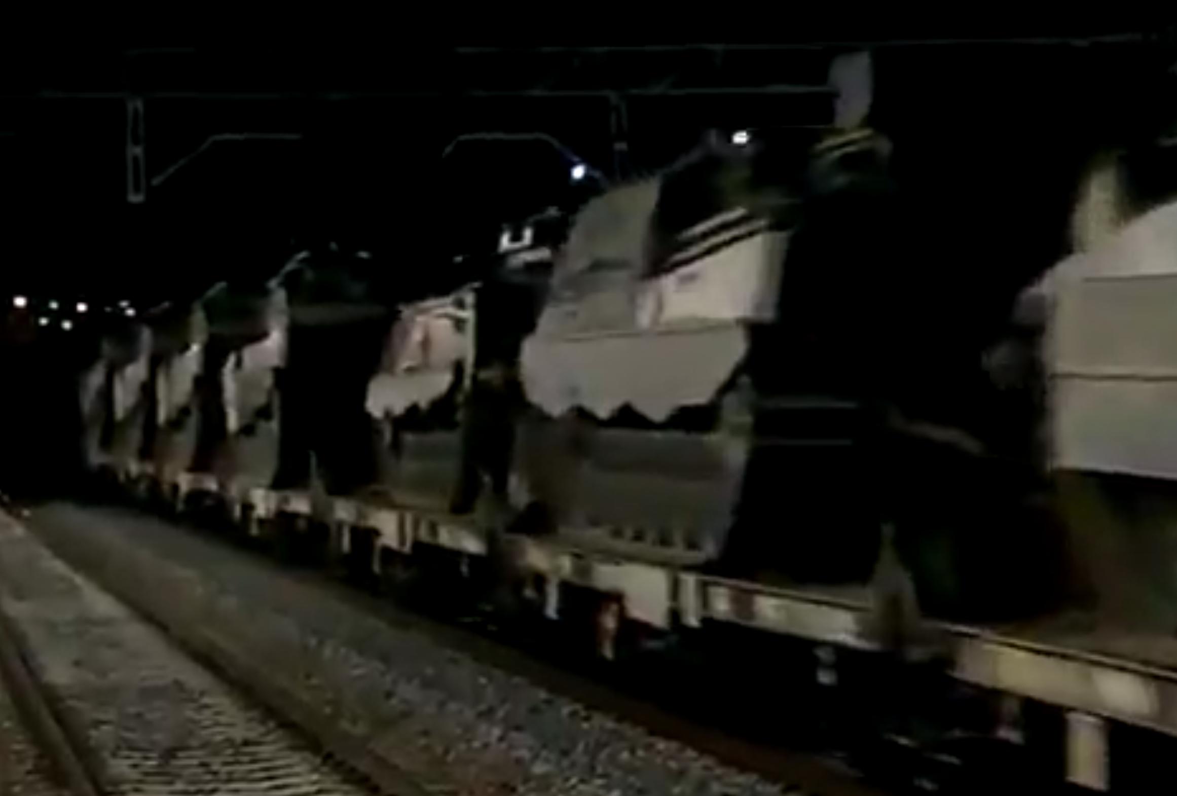 Imagen tomada del vídeo falso de los tanques que supuestamente se dirigen hacia Cataluña