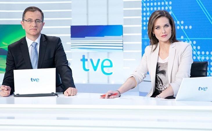 TVE relegó la cobertura informativa al canal 24 horas donde realizó una tertulia de seis horas