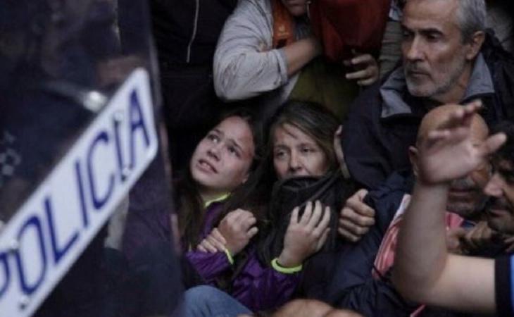 Niños y niñas, mayores, jóvenes... en las concentraciones la multitud era muy diversa