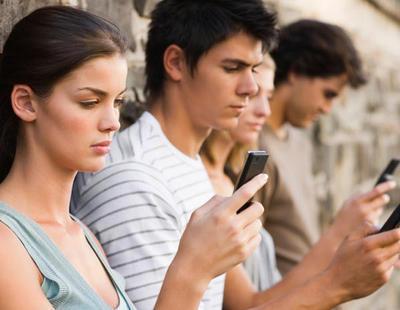 Estudio confirma que cuanto más socializamos en RRSS, más difícil es hacerlo cara a cara