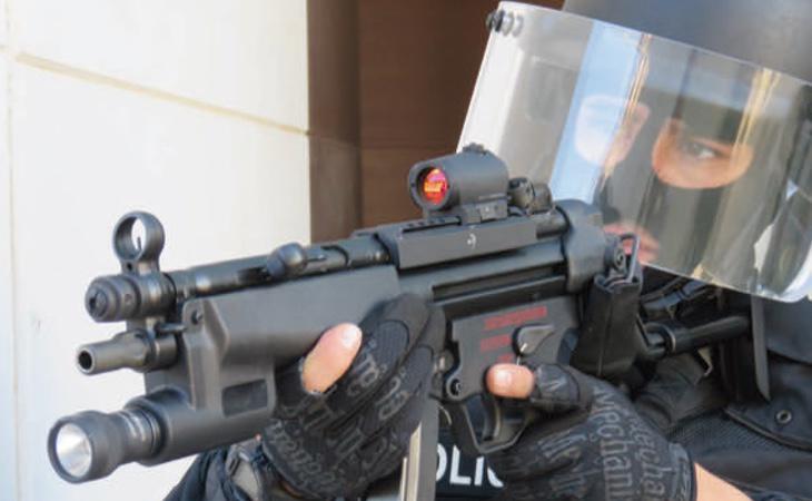 Los fusiles pueden llegar a disparar hasta 750 balas por minuto