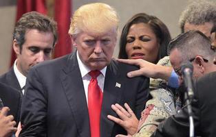 """Donald Trump obstaculiza el acceso a anticonceptivos por """"motivos religiosos"""""""