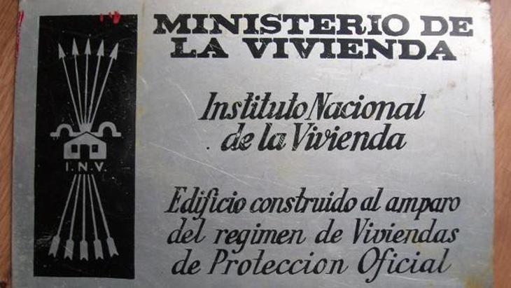 Placa Franquista del Ministerio de Vivienda