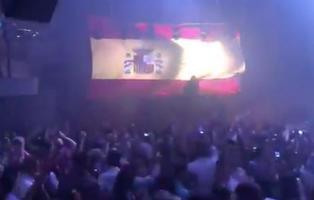 El nuevo hit de las discotecas madrileñas: el himno de España