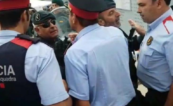 Los Mossos se enfrentaron a la Policía Nacional y la Guardia Civil durante el 1-O