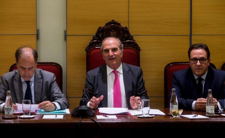 La patronal catalana pide paralizar la independencia