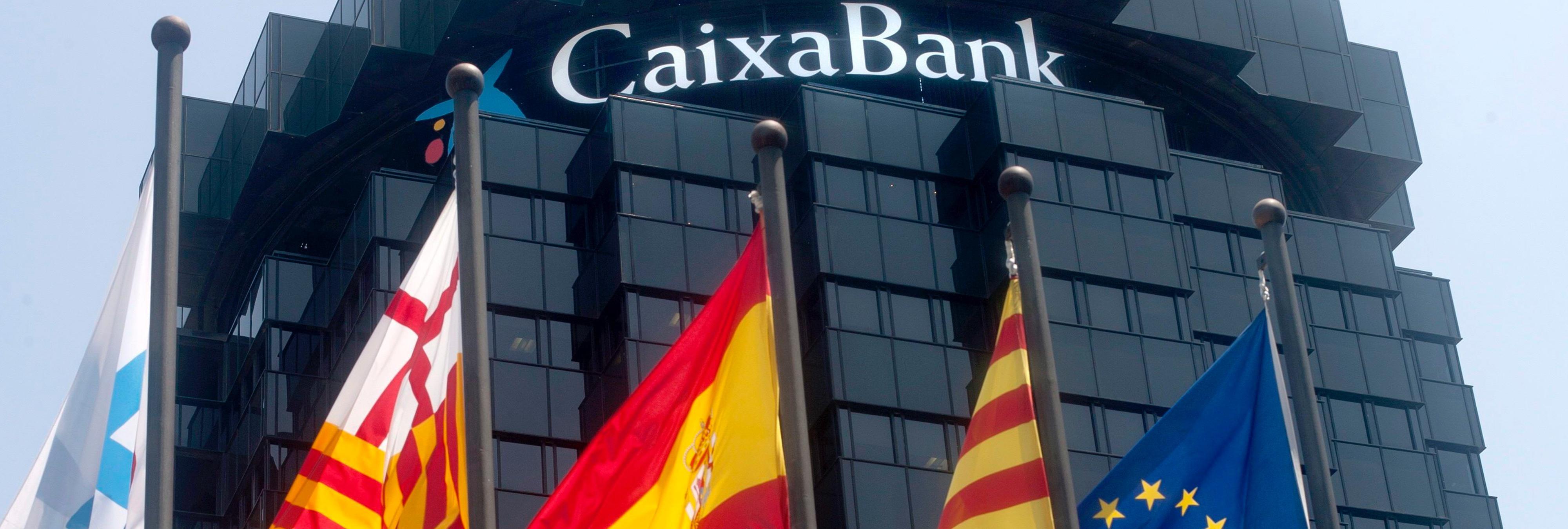 Las empresas que abandonan Cataluña tras el pánico generalizado forman el 50% de su PIB