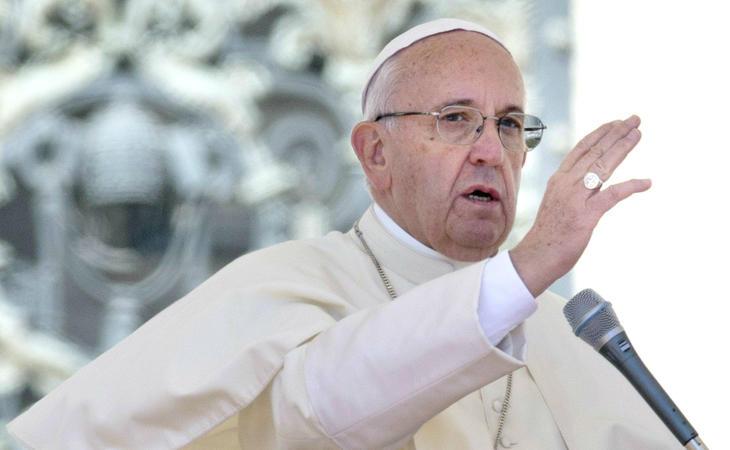 El Papa Francisco vuelve a dar la espalda a los transexuales