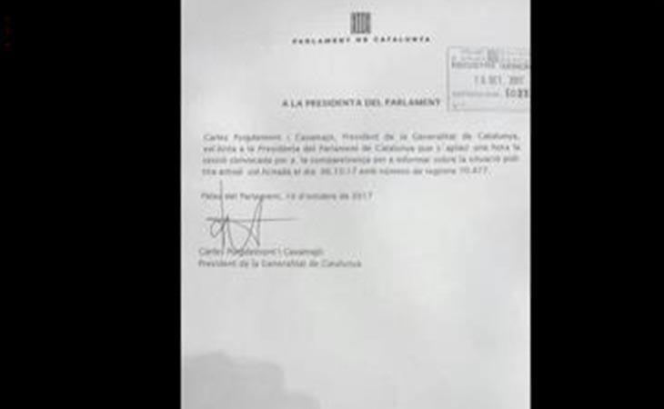 Documento con el que Puigdemont ha solicitado aplazar el pleno.
