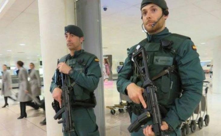 La Guardia Civil y la Policía han reforzado su presencia en aeropuertos y estaciones de trenes