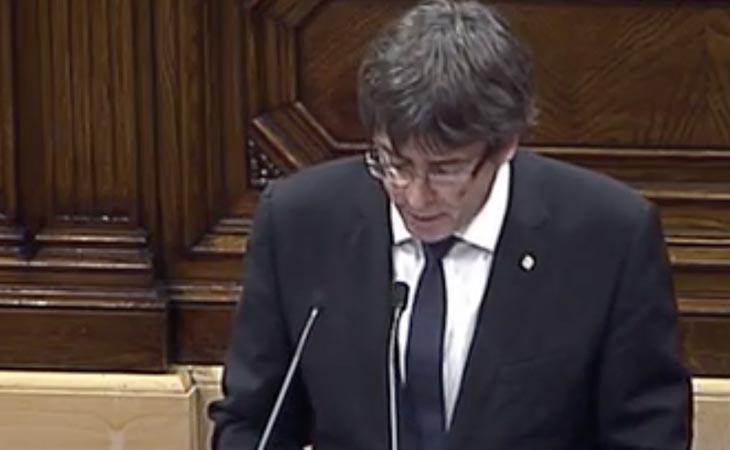 'Formamos parte de un mismo pueblo', dice Puigdemont. Mención especial a los manifestantes a favor de la unidad de España