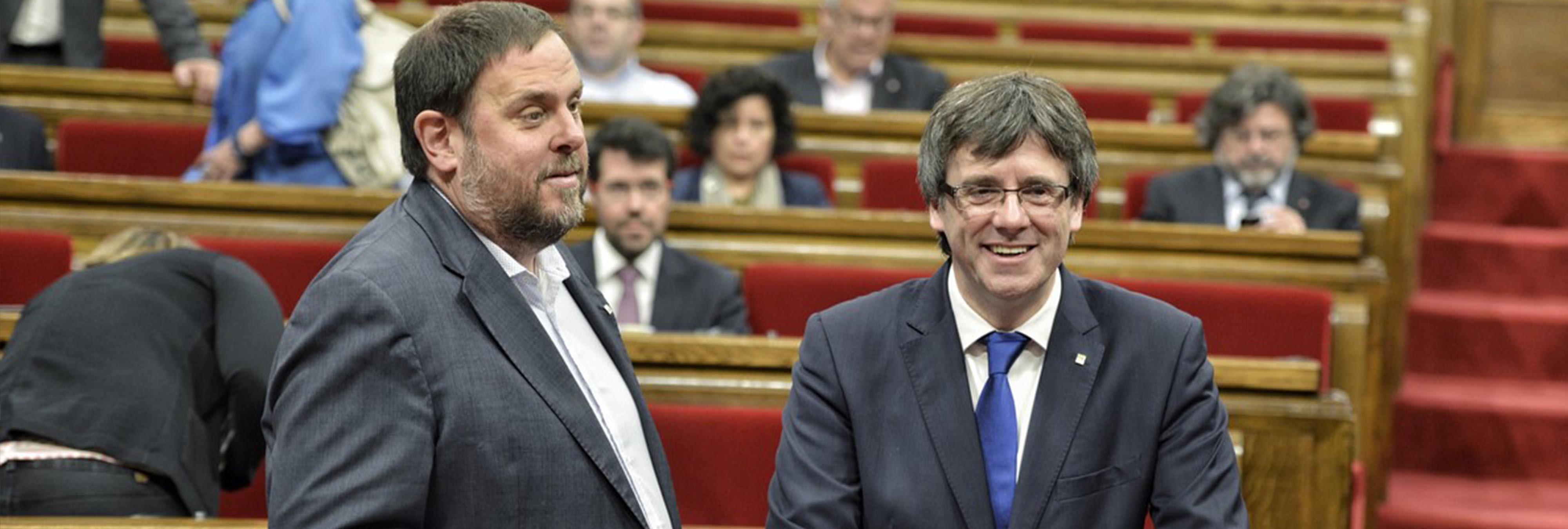 Puigdemont declara la independencia pero la suspende para abrir diálogo