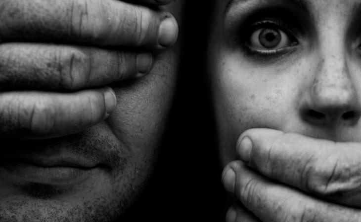 Los acontecimientos se enmarcan en un contexto de violencia de género
