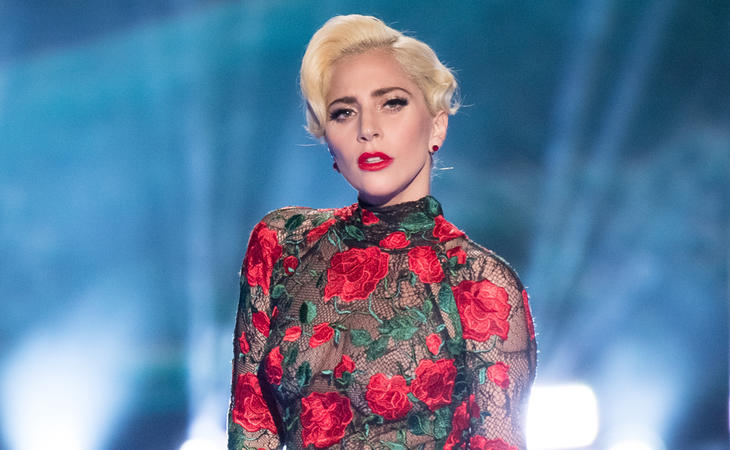 lady Gaga durante el desfile de Victoria's Secret 2017 en París