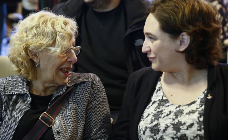 Manuela Carmena y Ada Colau, alcaldesas de las 'ciudades del cambio' Madrid y Barcelona