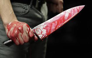 Asesina a su primo a puñaladas por no apagar la música