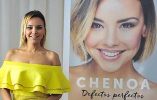 Por qué Chenoa se ha equivocado publicando su libro 'Defectos perfectos'