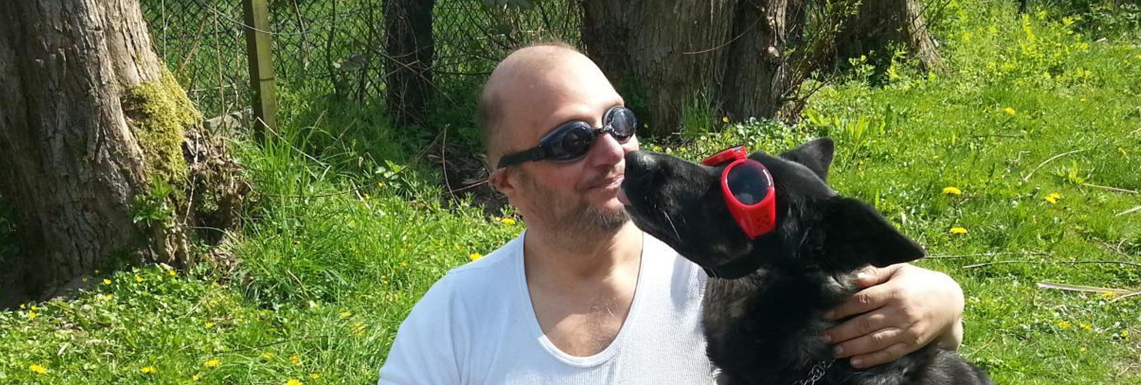 """El zoófilo más famoso de Europa: """"Me ofrecí a mi perro y practicamos sexo anal"""""""