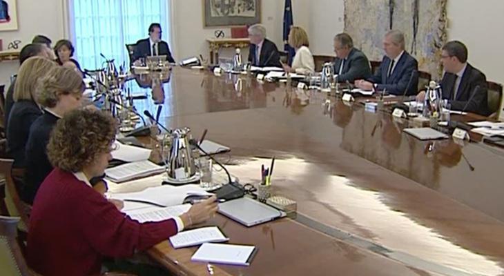 El Consejo de Ministro se encuentra reunido para aprobar la intervención de Cataluña