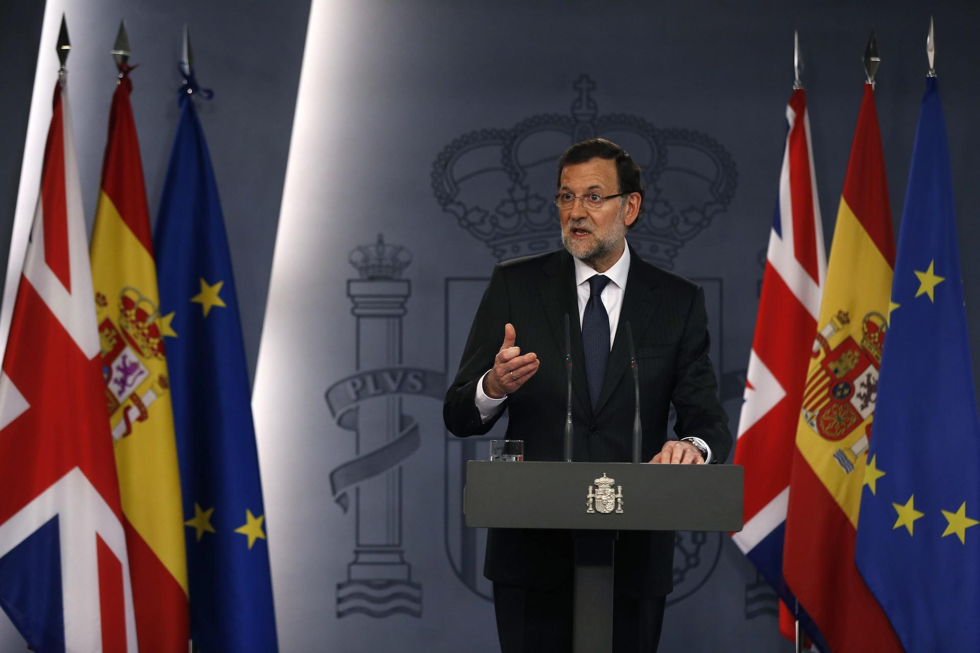 Rajoy se retrasa en la comparecencia ante los medios. La rueda de prensa estaba programada a las 13 horas.